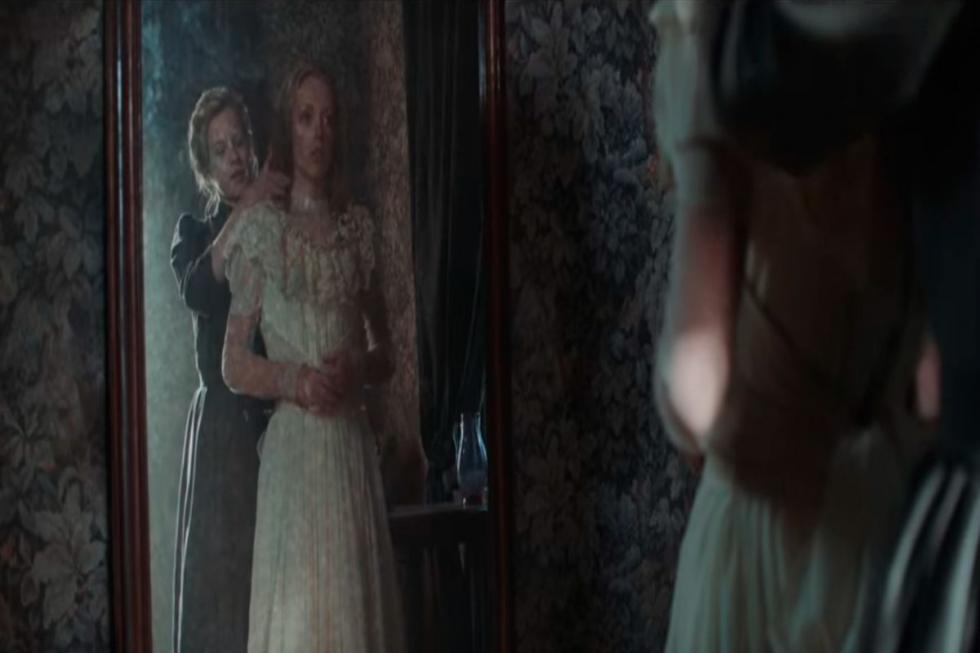 La joven Nastya (Viktoriya Agalakova) acepta ir al pueblo natal de su novio Ivan (Vyacheslav Chepurchenko) para conocer a su familia. Cuando llega al lugar, se da cuenta que los familiares de Ivan son muy extraños y el lugar está lleno de espeluznantes fotografías. Pese a todo, Nastya se tranquiliza y confía en que pronto se va a casar y será feliz junto a su amado. Pero, Ivan desaparece y ella acaba siendo preparada para una misteriosa ceremonia que debe llevarse a cabo antes de la boda.
