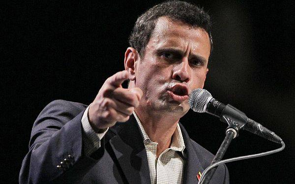 Capriles pidió unidad a la oposición en marcha contra Hugo Chávez