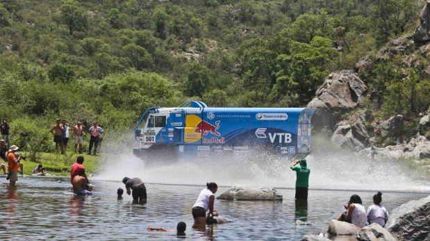 FOTOS: Peterhansel, Despres y los mejores momentos de los campeones del Dakar 2013