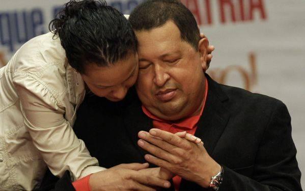 """Salud de Hugo Chávez es """"muy delicada"""" y empeora su respiración"""