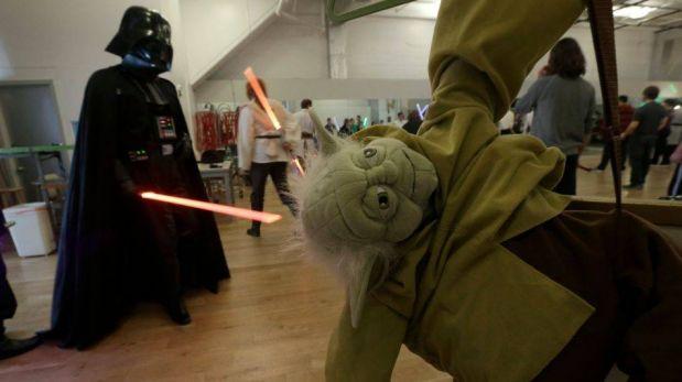 """FOTOS: Fanáticos de """"Star Wars"""" tienen escuela para convertirse en maestros jedi"""
