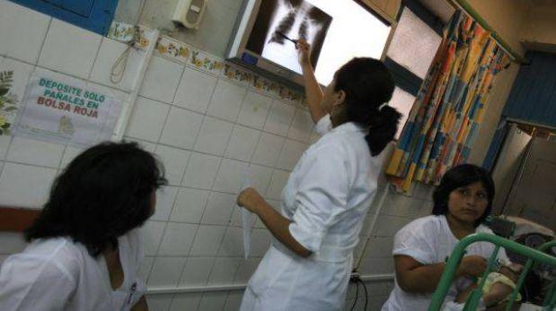 Minsa prepara aumento de sueldo para médicos en fronteras del país
