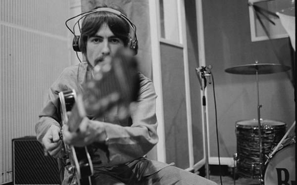"""George Harrison y la historia de su """"guitarra secuestrada"""""""