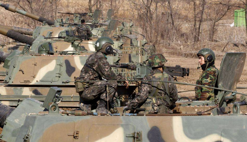 FOTOS: Corea del Norte y Corea del Sur muestran su poderío militar con despliegue de fuerzas