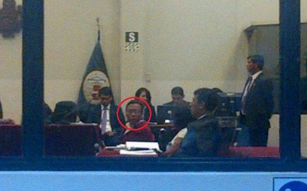 'Feliciano' confirmó que vio cuando 'Artemio' entregó una fuerte cantidad de dinero a Abimael Guzmán
