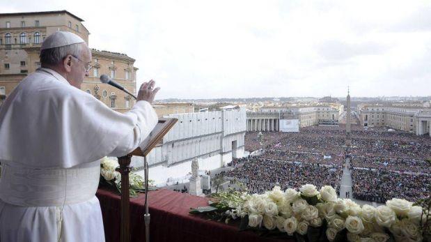 FOTOS: Papa Francisco recibió camiseta de San Lorenzo durante la Pascua de Resurrección