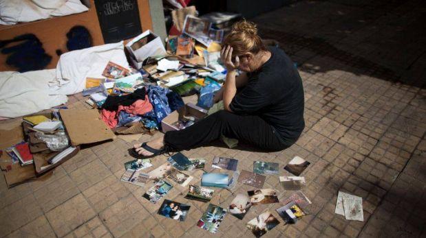 FOTOS: La Plata está completamente inundada por temporal en Argentina y familiares lloran a sus muertos