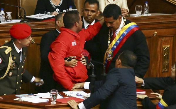 Mandan a la cárcel a Yendrick Sánchez, el hombre que interrumpió a Maduro