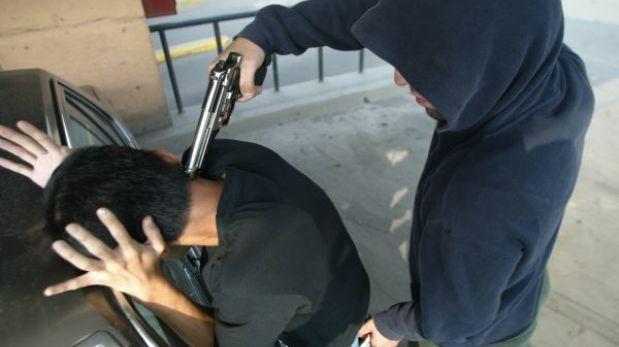 San Isidro: cambista fue asaltado y baleado por delincuentes