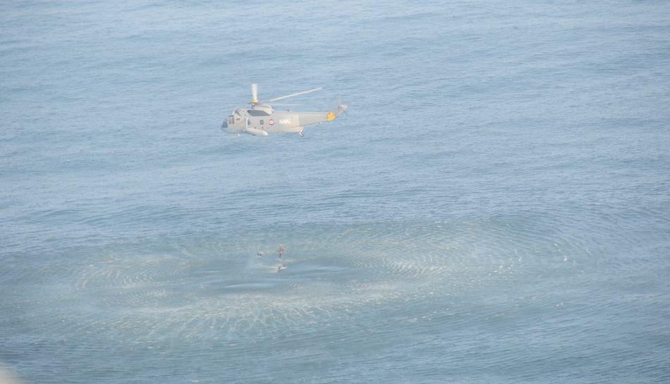 FOTOS: el rescate de cinco mujeres tras la caída del globo aerostático en el mar de Cañete