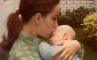 """Gian Marco compartió tierna fotografía de su infancia por el """"Día de la Madre"""""""