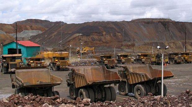 ¿Cuántas personas laborarán en el sector minero peruano en el 2020?