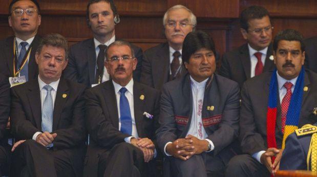 FOTOS: Rafael Correa juró nuevo mandato invocando a Hugo Chávez y Néstor Kirchner