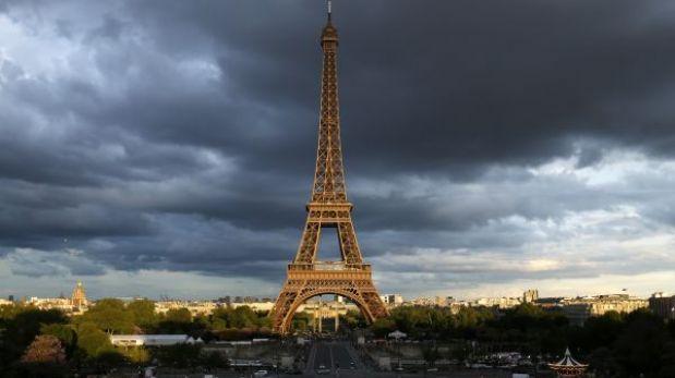 La Torre Eiffel cerró al público por la huelga de sus 300 trabajadores
