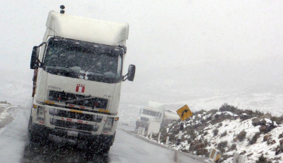 Nevada bloquea nuevamente la Carretera Central a la altura de Ticlio