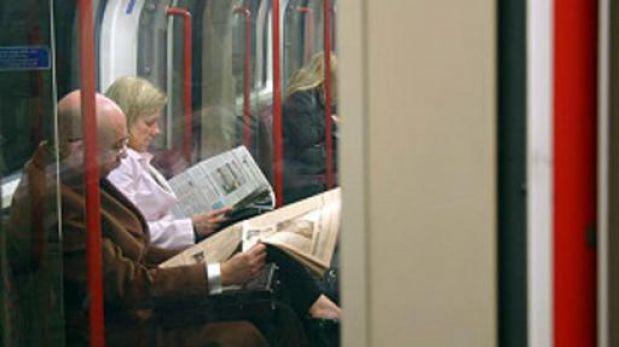 ¿Por qué algunas personas se marean cuando leen en un vehículo en movimiento?
