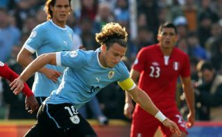Uruguay convocó a 26 para jugar ante Perú y solo tres son del fútbol local