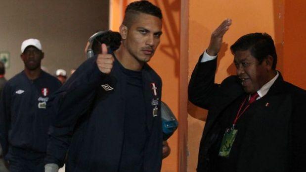 La selección peruana llegó a Lima de madrugada y en silencio