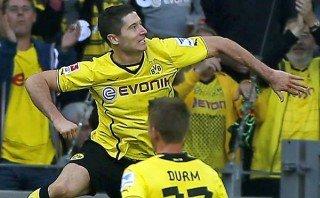 Borussia Dortmund aplastó 5-0 a Friburgo con doblete de Lewandowski