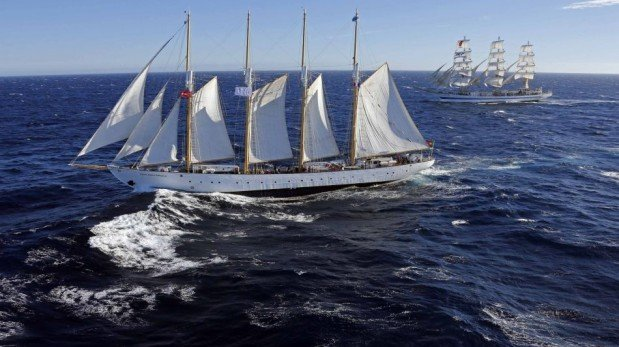 El mar de Francia acoge a impresionantes y antiguos veleros [FOTOS]