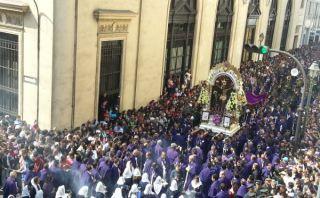 El Señor de los Milagros realiza su segundo recorrido procesional