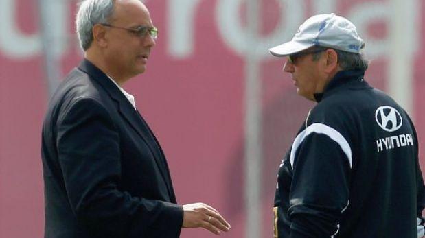 """Manuel Burga: """"Le insistiré a Markarián que se quede para las Eliminatorias de Rusia 2018"""""""