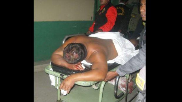 Turba golpea y pasea desnudo al asesino de futbolista sullanense