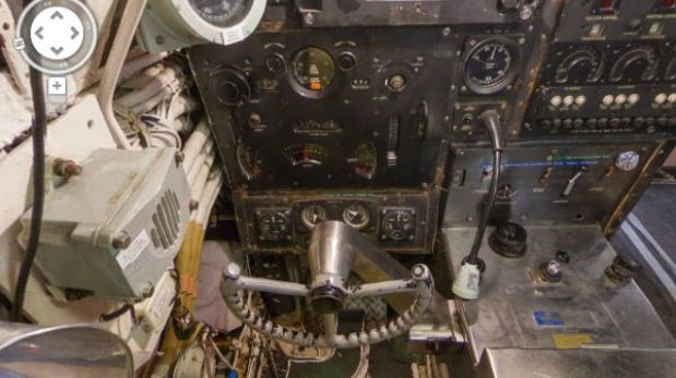 Mira el interior de un submarino por medio de google for Interior submarino