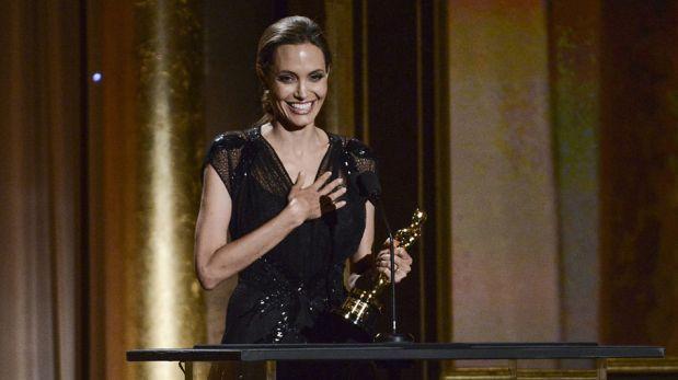 Angelina Jolie recibió Óscar honorífico por su labor humanitaria [FOTOS]