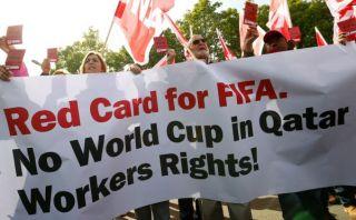 Explotan a inmigrantes en construcción de estadios para Mundial Qatar 2022
