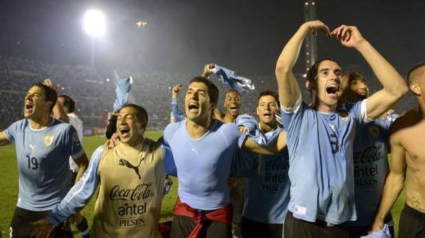 Los festejos de Uruguay luego de confirmar su clasificación al Mundial Brasil 2014 [FOTOS]