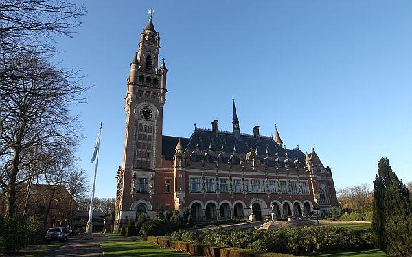 ¿Qué sentencias de la Corte de La Haya favorecen al Perú?