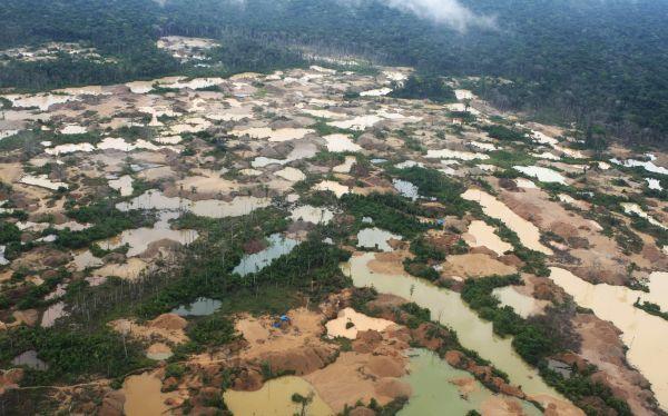 Contra la minería ilegal: Gobierno instalará garitas en Chala y Nazca