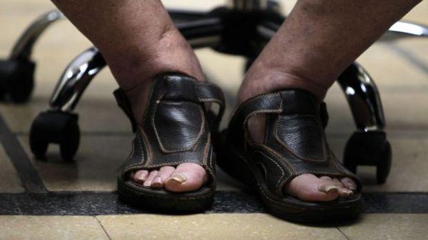 José Mujica fue en sandalias y con pantalones remangados a la juramentación de su ministro