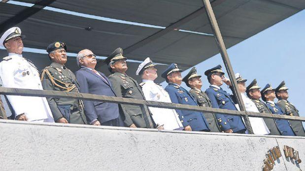 Seis oficiales de más alto cargo de las Fuerzas Armadas pasan a retiro