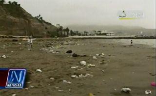 Playas de Barranco quedaron hechas un basural tras festejos por Año Nuevo [VIDEO]