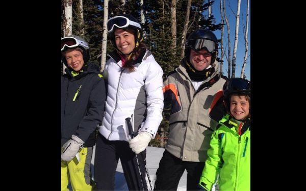Hamilton publicó fotos en esquí y fue criticado por fans de Schumacher