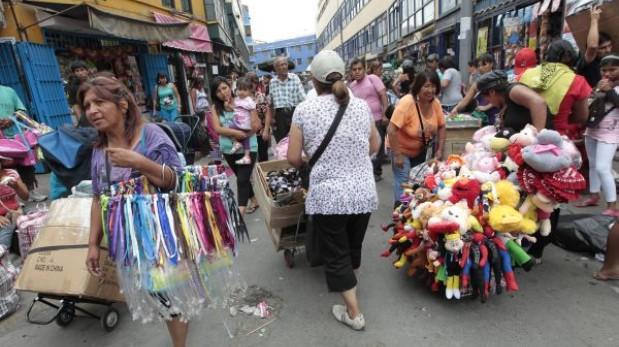 Balance: Villarán no pudo concluir obras ni enfrentar la informalidad