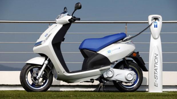 moto scooter ecol gico motos ruedas tuercas el comercio peru. Black Bedroom Furniture Sets. Home Design Ideas