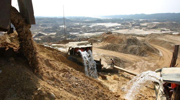 Minería ilegal depredó 60.000 hectáreas de bosques en Huepetuhe
