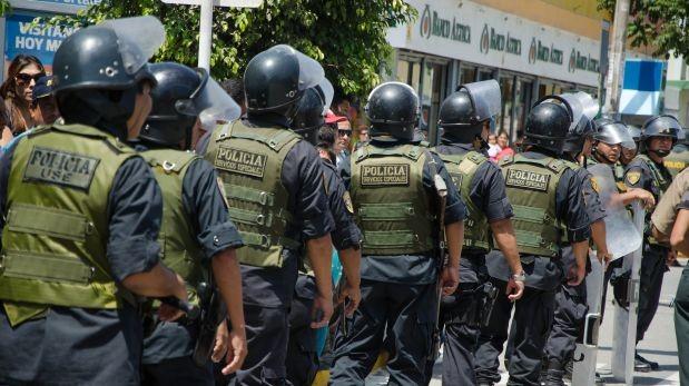 Según esta nueva ley, los policías son inimputables cuando usan sus armas de fuego (Foto: Archivo El Comercio)