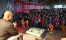 Pep Guardiola en aprietos ante niños fans del Bayern Múnich