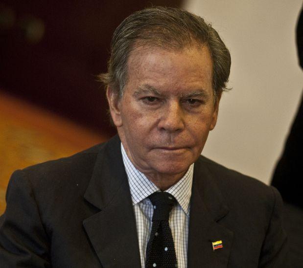 """Venezuela: """"El intento de golpe de 1992 continúa"""", dice Arria"""