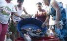 Donan pescado y frutas a damnificados por inundaciones