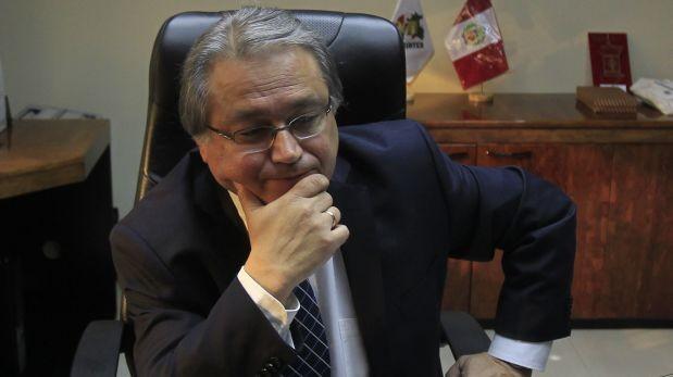 Walter Albán insiste en que no hubo desembolso de dinero. La Contraloría y la Fiscalía investigarán el caso. (Foto archivo El Comercio)