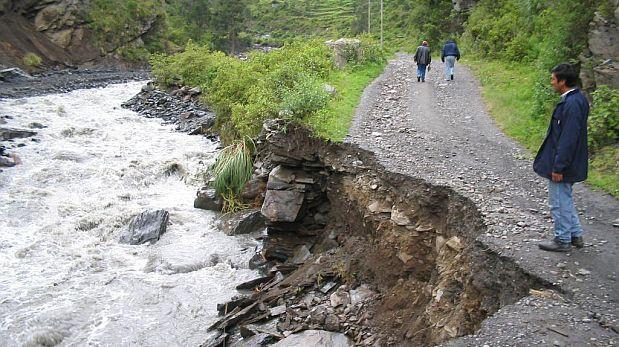 Puno: Defensa Civil llevó ayuda a damnificados por lluvias