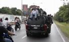 Venezuela: Miles siguieron el vehículo que se llevaba a López