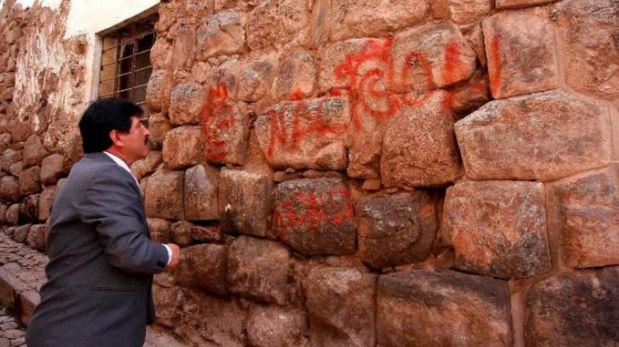 Denuncian nuevas pintas en muros incas