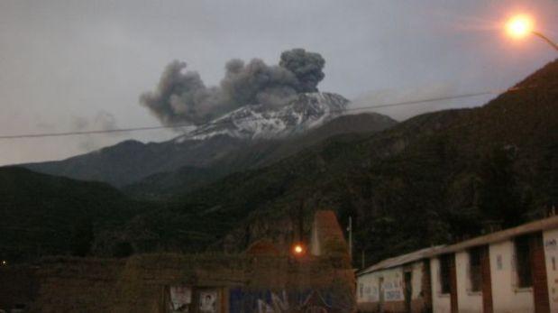 Volcán Ubinas: recomiendan evacuar a población cercana