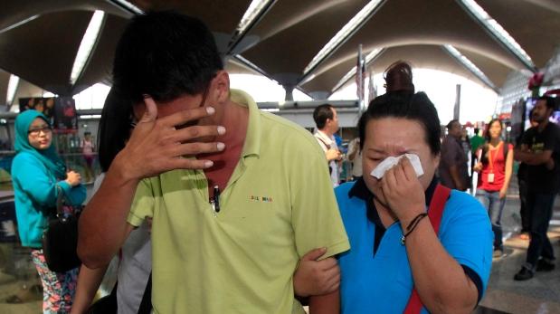 Accidente aéreo en Malasia: EE.UU. envía destructor y avión